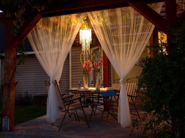 10_MiniRemodels_Outdoor_Oasis.jpg
