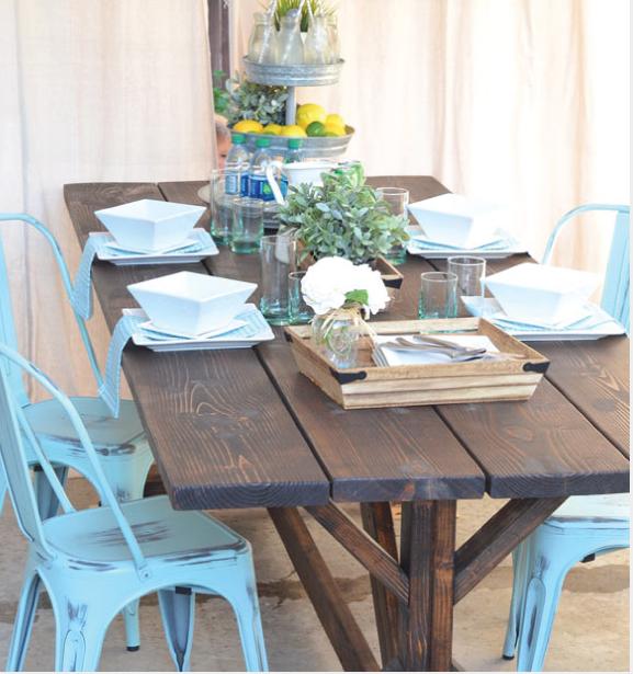 10_MiniRemodels_Rustic_Farmhouse_Table.png
