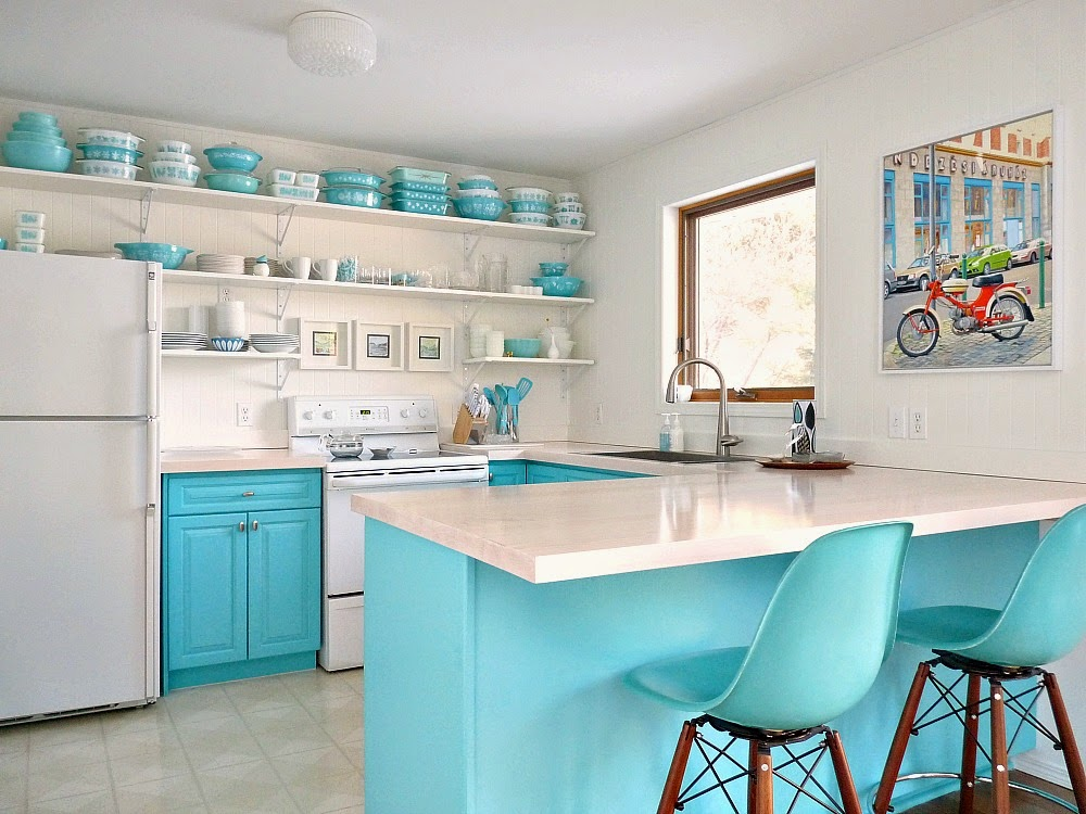 10_MiniRemodels_Vintage_Aqua_Kitchen.jpg