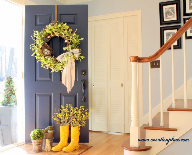 3 Spring-Inspired DIY Projects To Do This Weekend --Rain Boot Vase.jpg