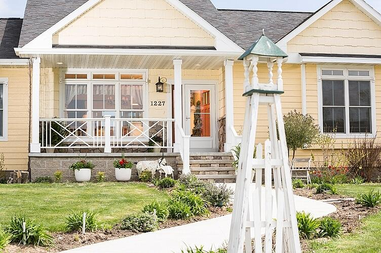 3 Things You Need To Do Before Buying A Storm Door.jpg
