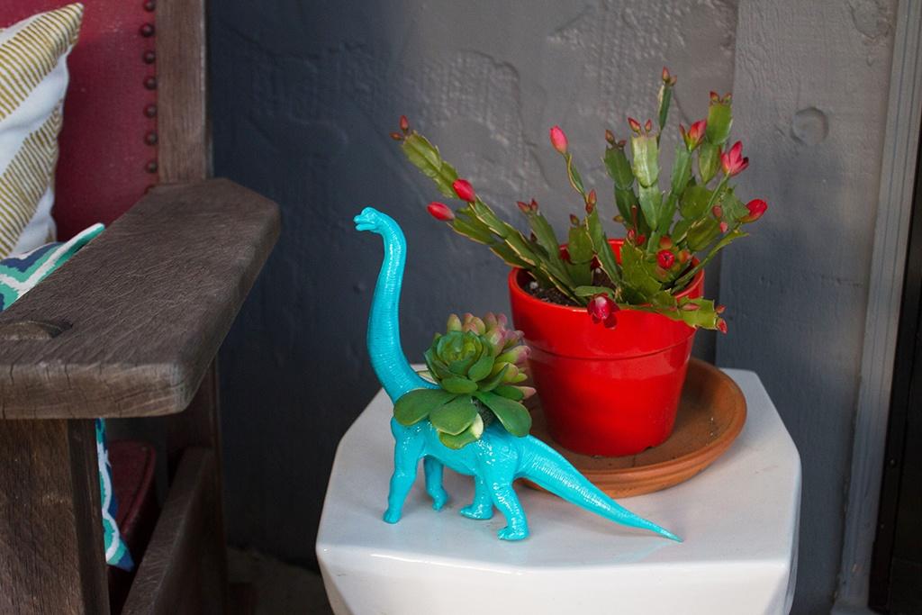 Larson Front Porch Makeover   DIY Dinosaur Planter.jpg