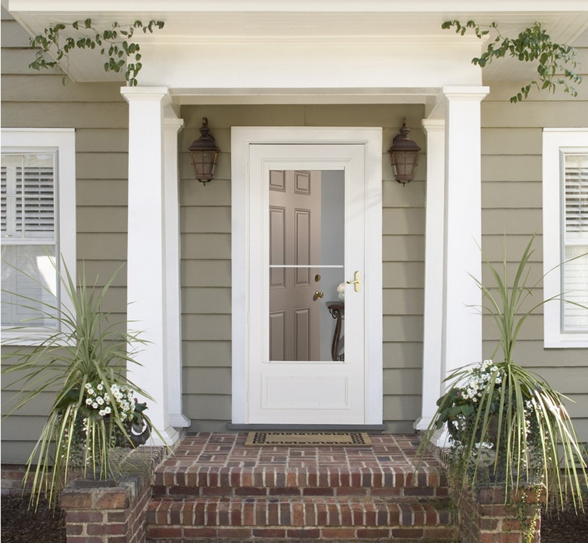 Most Popular Questions About The Screen Away® Storm Doors