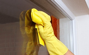 cleaning_your_storm_door.jpg
