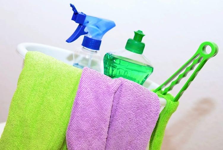 how-to-clean-your-door.jpg