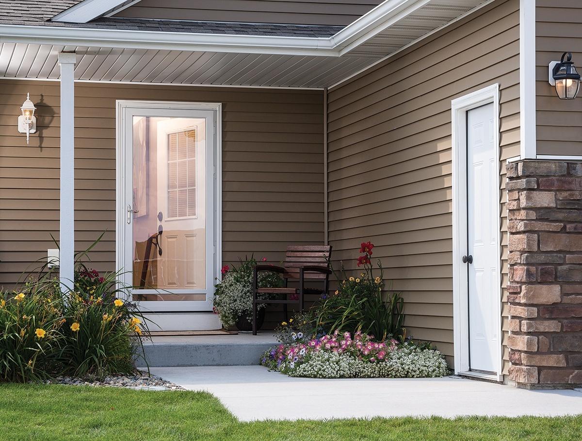 7 DIY Storm Door Renovation Tips