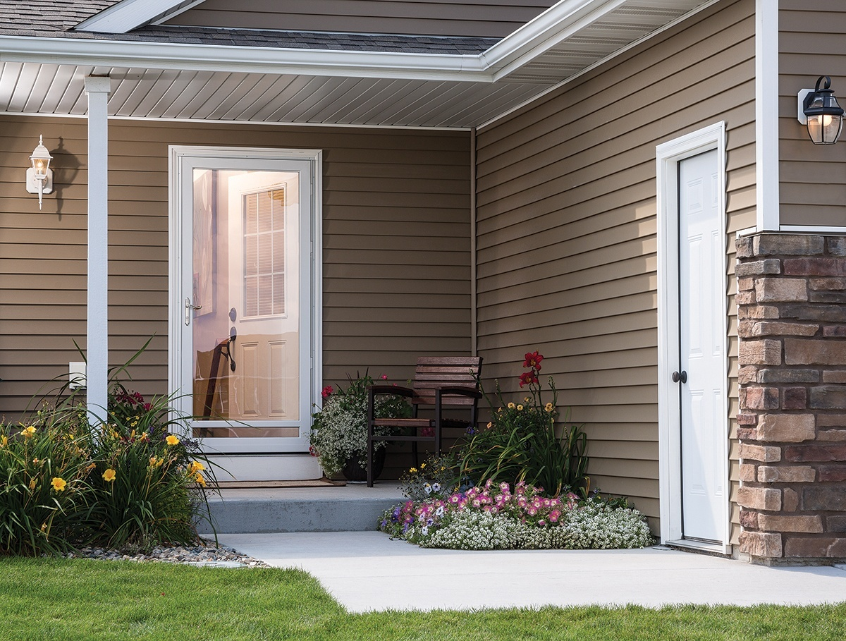 7 DIY Storm Door Renovation Tips