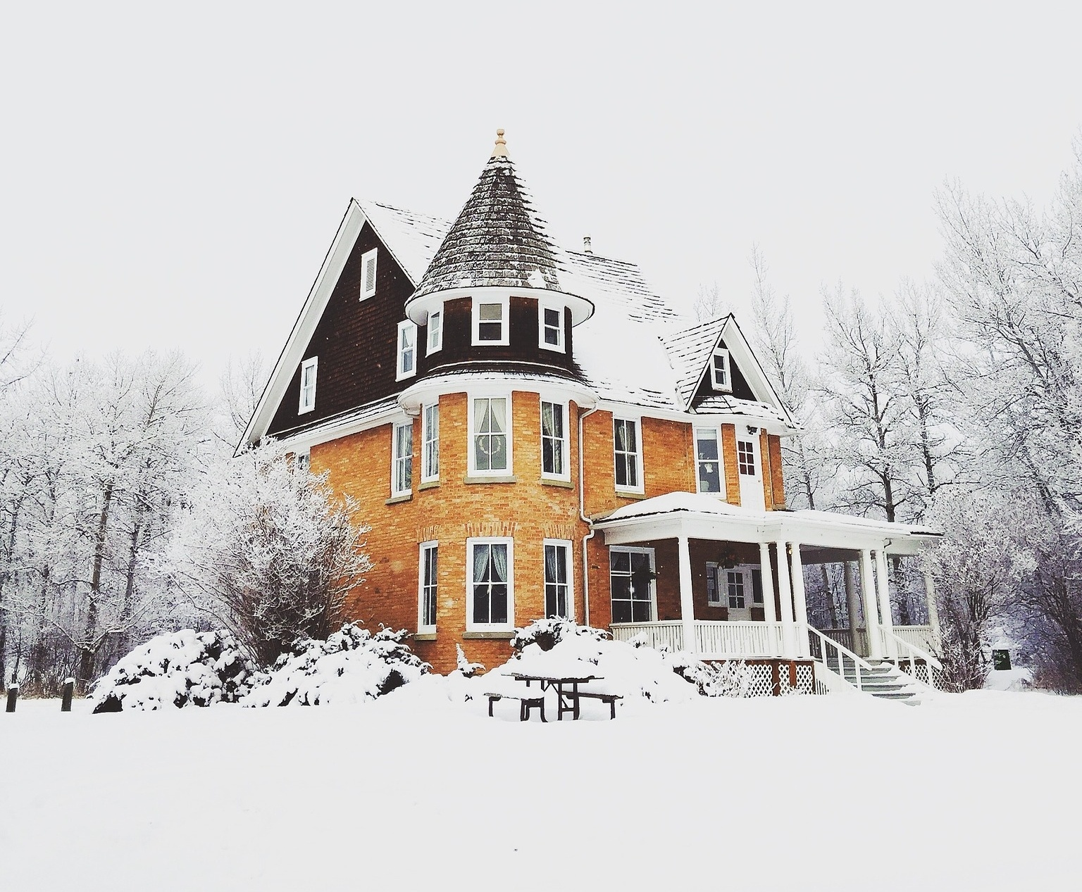8 Step Winter Prep Checklist to Winterize Your Home