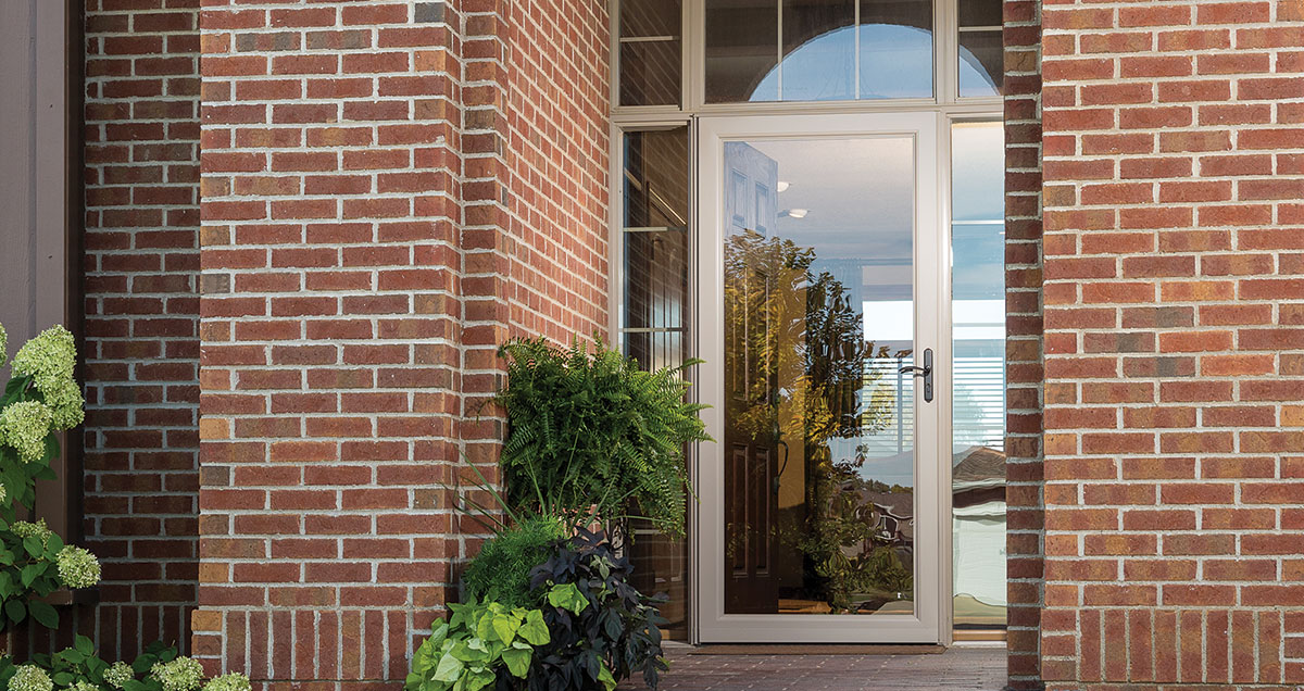 Your Larson Storm Door - How To Switch The Full Glass And Screen Panel