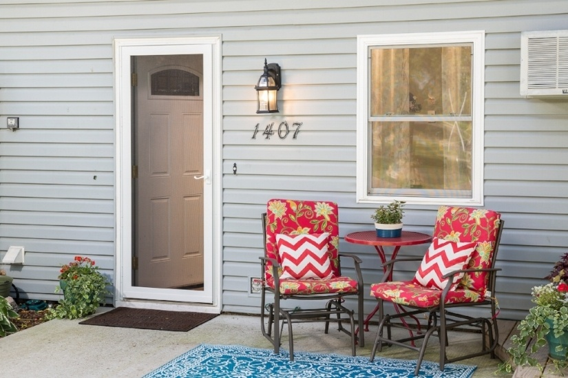Meet The Newest Larson Door: The Screen Door