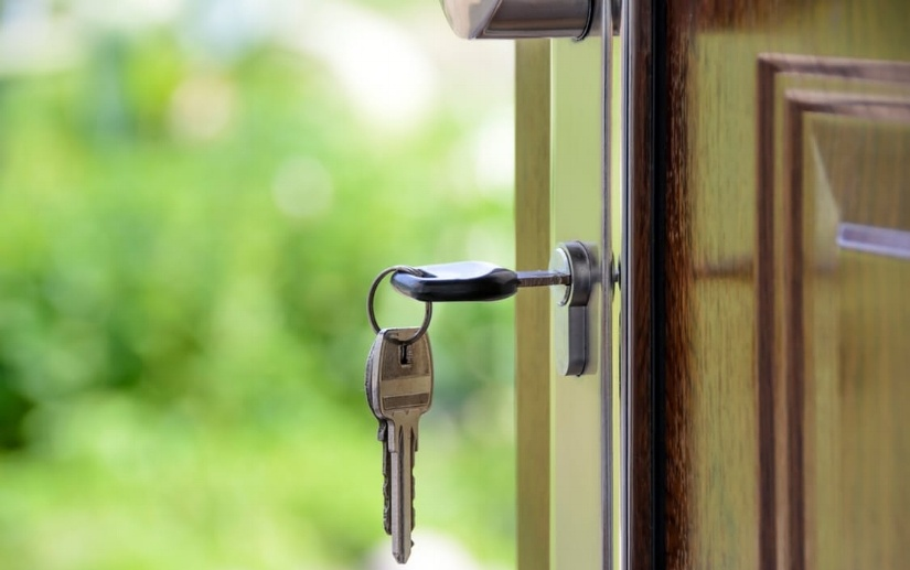 What To Do If Your Deadbolt On Your Storm Door Is Stuck