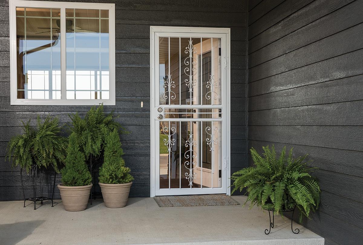 Larson spotlight blog for Storm door manufacturers